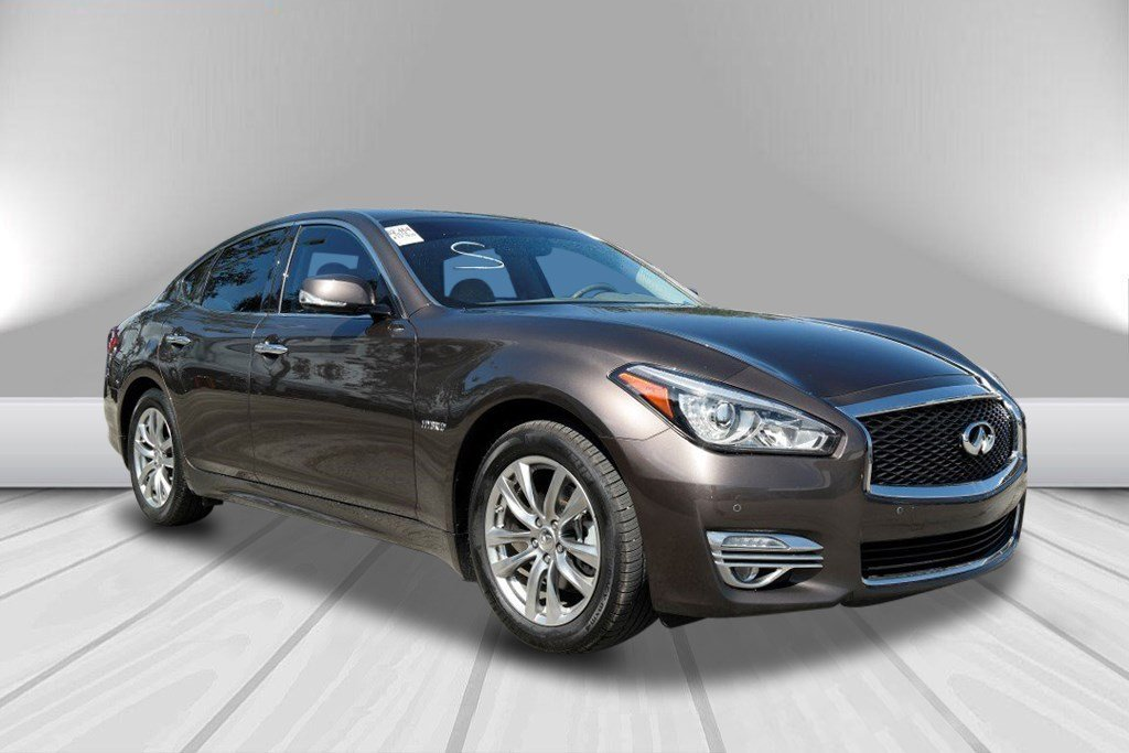 Certified Pre Owned 2018 Infiniti Q70 Hybrid Luxe